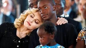 Madonna prend une surprenante décision pour son fils