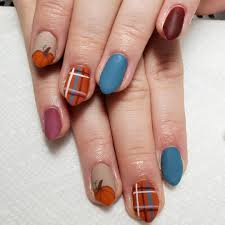 Lovely Nail Design 20 Lovely Nail Art Examples With Pumpkin Pattern