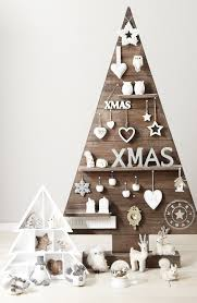 Diy Christmas Tree 25 Ideas Of How To Make A Wood Pallet Christmas Tree Designrulz