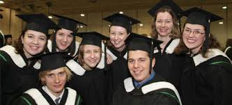 Scholarships, grants and bursaries for Canadian students ...