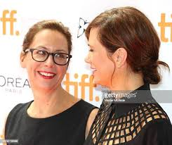 632 Kristen Johnson Photos and Premium High Res Pictures - Getty Images