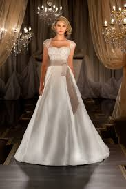 Best Wedding Gown Style For Big Bust