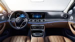 For the first time a cowl above the cockpit has been completely dispensed with. 2021 Mercedes Benz E Class Interior Review Seating Infotainment Dashboard And Features Carindigo Com