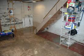 how to dry out a room after a flood