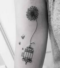 Tatuaggio Soffione Elegante Ed Etereo