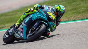 Aug 18, 2021 · motogp, valentino rossi: Motogp Ciao Valentino Rossi Der Sachsenring Liebling Macht Schluss Mdr De