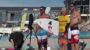 this california board co 11 inflatable stand up paddleboard features a sched pvc inflatable stand up paddleboard with a graphic deck and bottom