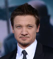 Jeremy Renner at the premiere of Captain America: The Winter Soldier|Lainey Gossip Entertainment Update - jeremy-renner-cap-14mar14-03
