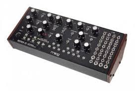Аналоговый <b>синтезатор Moog Mother-32</b> купить в Санкт ...