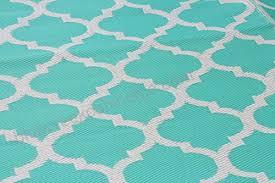 santa barbara collection 100 recycled plastic outdoor reversable area rug rugs white tirquios trellis san1001tirquios