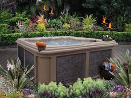 7 sizzling hot tub designs