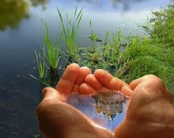 Человек общество природа Взаимосвязь человека общества и природы Природа дает человеку ресурсы для удовлетворения его потребностей поддержания физических и духовных сил здоровья Она играет большую роль в хозяйственной