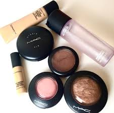 makeup essentials for beginners photo 1