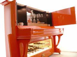 Orange Piano Aus Einem Alten Klavier Wird Eine Pianobar