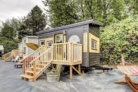 tiny house vacation rentals. Delighful Vacation Tiny House Vacation Rental With Tiny House Vacation Rentals Tumbleweed Houses