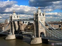 Тауэрский мост в Лондоне Вид Тауэрского моста со стороны