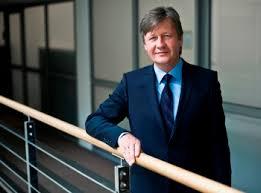 Adam Górecki, Partner w Dziale Doradztwa, Szef Zespołu Fuzji i Przejęć