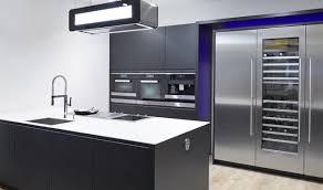 Somit Wird Nur Ein Elektrogerät Zum Kühlen Und Gefrieren Von Lebensmitteln  Benötigt. Damit Sparen Sie Nicht Nur Platz In Ihrer Küche, Sondern Tun  Zusätzlich ...