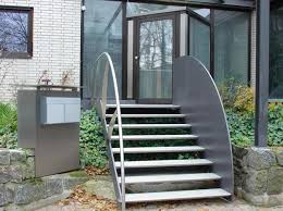 The entrance staircase to a private house, in most cases, is one of their highlights, emphasizing the special architecture, aesthetics and attractiveness of the building. Entrance Staircase Designs To Beautify Homes And Improve Curb Appeal