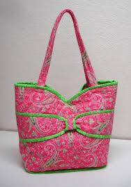 Best 25+ Quilted purse patterns ideas on Pinterest | Purse pattern ... & Put a Bow On It Quilted Bag Adamdwight.com