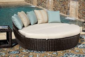 Modern outdoor daybed Luxury Cardiff Daybed Outdoor Patio Furniture Thick Round Weave Wicker Modern Design Style Ideas Inspiration Decoist 10 Outdoor Daybeds Youll Want To Use Indoors