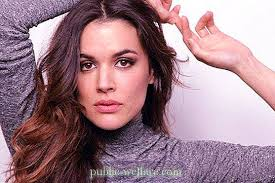 Actress Adriana Ugarte: biography, personal life. Films and series ...