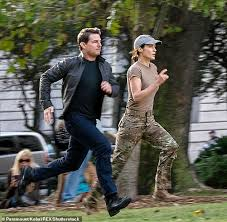 What does tom order every friday? Bakery Behind Tom Cruise S Christmas Cake Says He Kept Us In Business Daily Mail Online