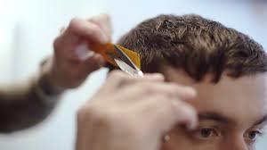 天然パーマを活かす髪型くせ毛を上手に活用するセット方法 Vokka