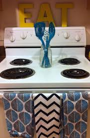 Small Apartment Kitchen 17 Best Ideas About College Apartment Decorations On Pinterest