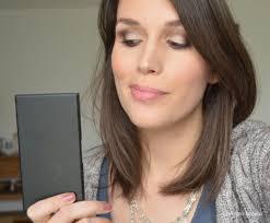 une palette sleek makeup au naturel deux maquillages et un concours bien dans sa peau