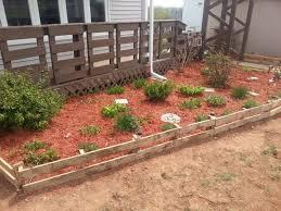 using pallets as a garden edge