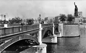 グルネル橋と自由の女神像 パリ 1900年頃22177003458の写真素材