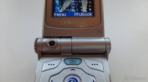 Samsung V200 - Praha 9 - Bazoš.cz