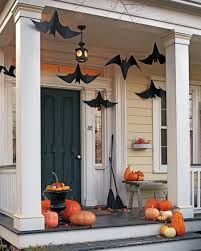 10 Ideas for a Haunting Halloween Entryway | Decorating Files | #halloween # entryway #