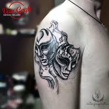 театральные маски фото тату