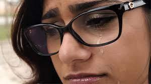 الممثلة الإباحية ميا خليفة تحمل حزب الله مسؤولية الانفجار في بيروت - صوت  العرب اونلاين