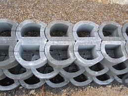 hollow concrete block for retaining walls exposed