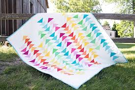 Super Simple Flying Geese Quilt Tutorial - Suzy Quilts & Spectrum Quilt Adamdwight.com