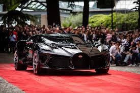 The bugatti la voiture noire debuted at the 2019 geneva motor show and is the most expensive new. Bugatti S La Voiture Noire Snatches Up Design Award At Concorso D Eleganza News Supercars Net