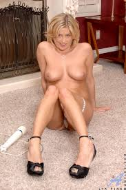 Free classy mature nude pics