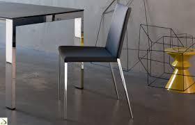 Sedia semplice e moderna per tavolo da pranzo. sedie in