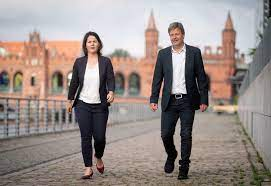 For the future we take heart. Grune Kanzlerkur Baerbock Oder Habeck