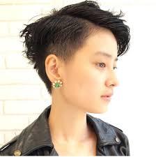 個性を出すヘアスタイルはこれベリーショートで周りと差をつけよう