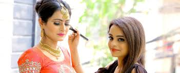 kanika khosla best bridal makeup artist in delhi bridal makeup artist airbrush artist in gurgaon bridal makeup artist in west delhi