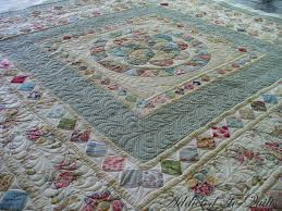 Addicted To Quilts: Medallion Quilt in Liberty Fabrics & Medallion Quilt in Liberty Fabrics Adamdwight.com
