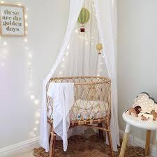 kids room with fairy lights petit