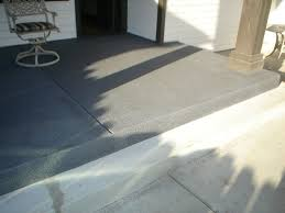 how to paint stripes like an outdoor rug on patio concrete slab so