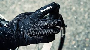 Best <b>winter gloves</b> for <b>cycling</b> 2020: waterproof and wind resistant ...