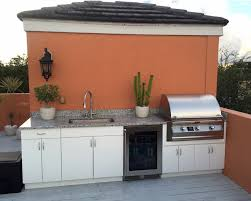 stainless outdoor grill and kitchen
