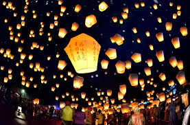 Light Up Paper Lanterns At Pingxi Lantern Festival Wishes Light Up The Taiwan Sky